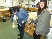Hazuki using 'wind' to dry Yeji's pants